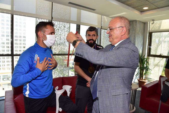 Ampute Milli Futbol Takımı'ndan Başkan Ergün'e ziyaret