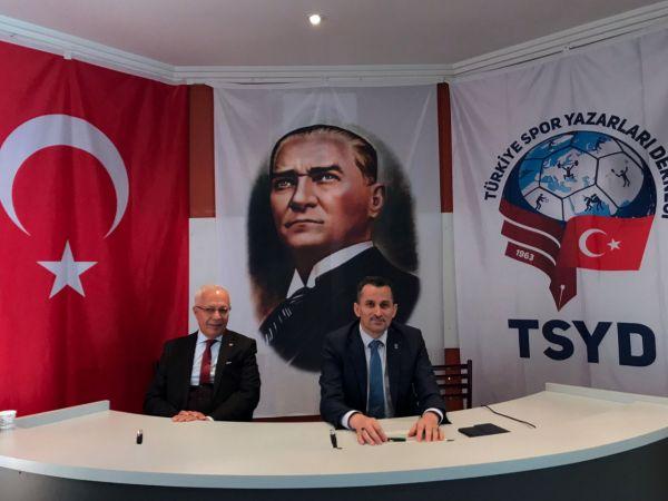 Murat Özmekik, Badminton Federasyonu başkanlığına yeniden aday olduğunu açıkladı