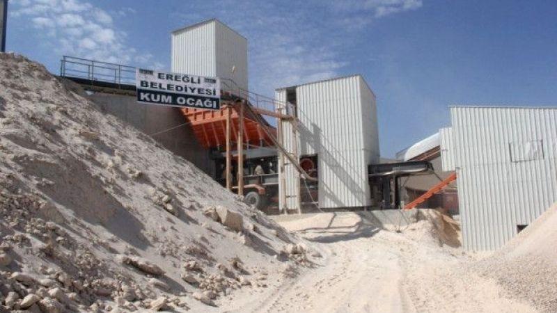 Mahalleli: Ya kum ocağını kapatın ya da yolu asfalt yapın! Belediye asfalt yerine kum ocağını kapattı: Peki Şimdi Kum Nereden Alınıyor?