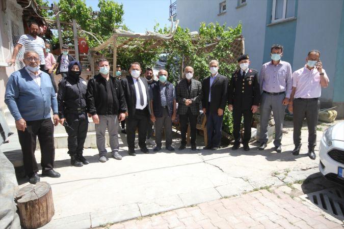 Beyşehir'de kaymakam ile belediye başkanı şehit yakınları ve gazilerle bayramlaştı