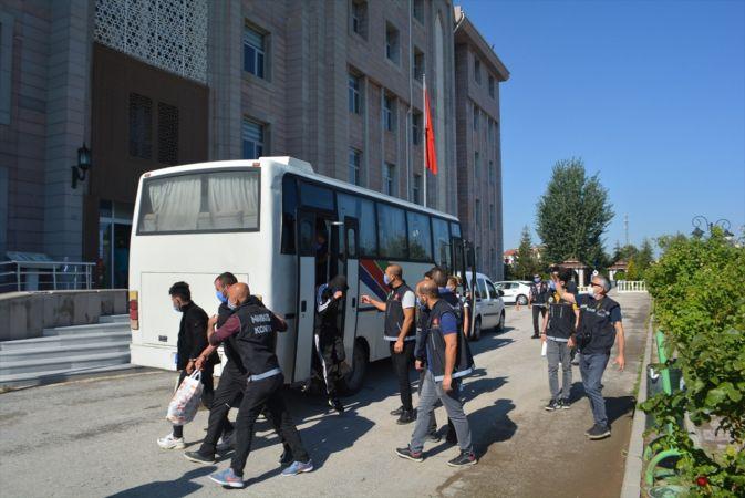 Konya'da uyuşturucu operasyonunda yakalanan 16 zanlıdan 13'ü tutuklandı