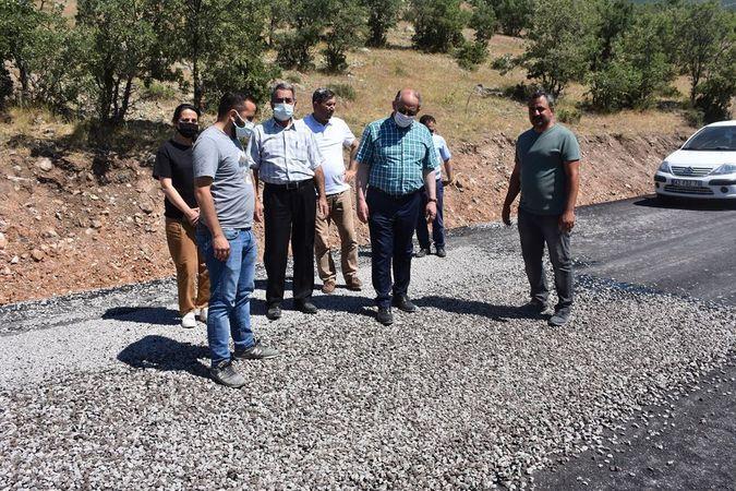 Karapınar'da köy yolları asfaltlanıyor