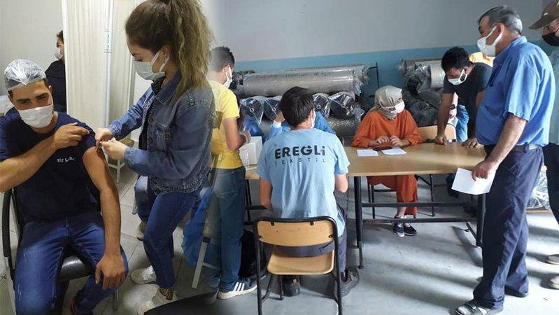 Ereğli'de işçiler fabrikalarında aşılanıyor