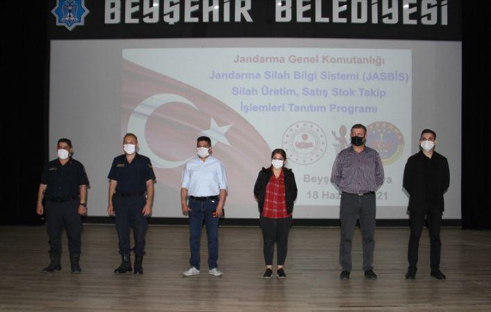 Beyşehir'de tüfek imalatçılarına Jandarma Silah Bilgi Sistemi Projesi anlatıldı