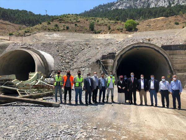 AK Parti Genel Başkan Yardımcısı Usta, Demirkapı Tüneli'nde incelemelerde bulundu