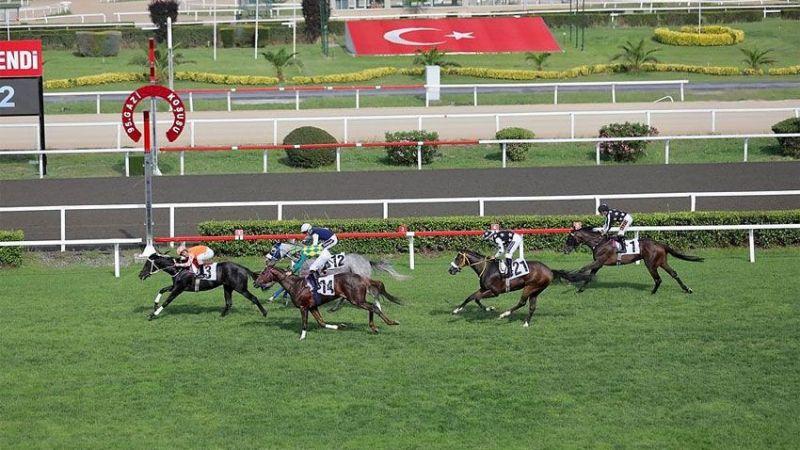 95. Gazi Koşusunu Ereğli'nin atı Burgas kazandı