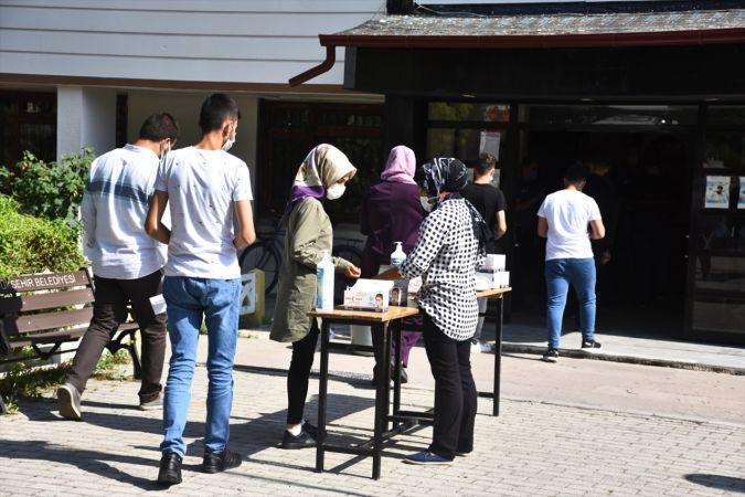 Konya'da YKS'nin ikinci oturumu AYT heyecanı
