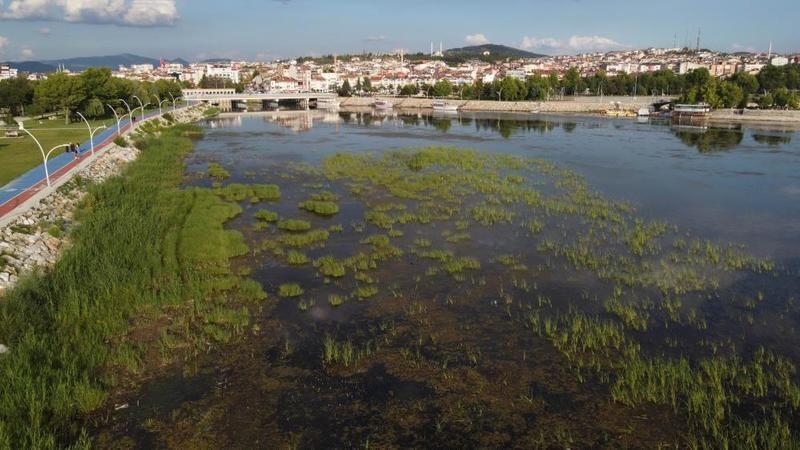 Beyşehir Gölü'nde su seviyesinin düşmesi tedirgin ediyor