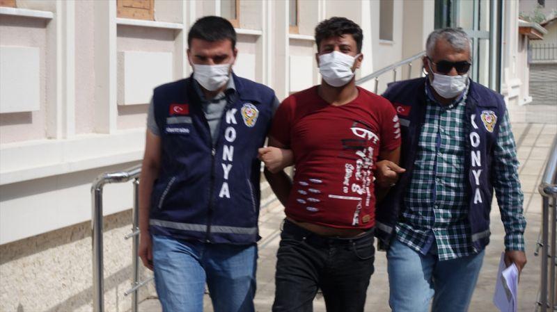 Tartıştığı kişiyi bıçakla öldüren Suriyeli, ülkesine kaçmak isterken yakalandı