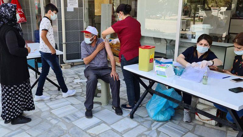 Ereğli'nin mahallelerinde koronavirüs aşı uygulaması devam ediyor