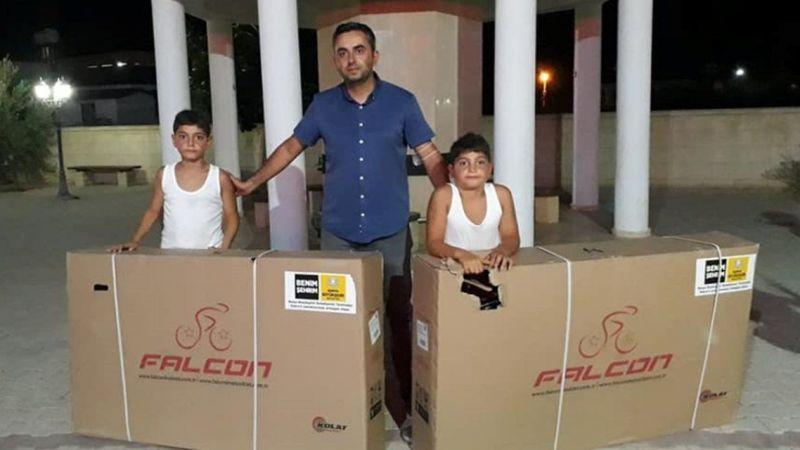 KKTC'de dini bilgiler kursuna katılıp namazı camide kılan çocuklara Konya'dan bisiklet hediyesi