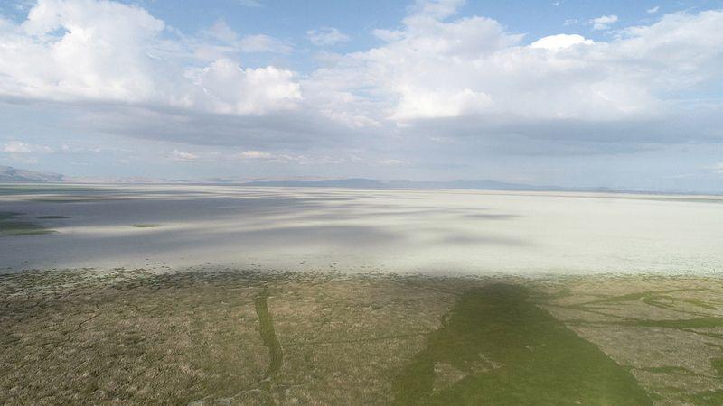 Konya'nın dev gölü kuraklıkla birlikte gölet haline geldi