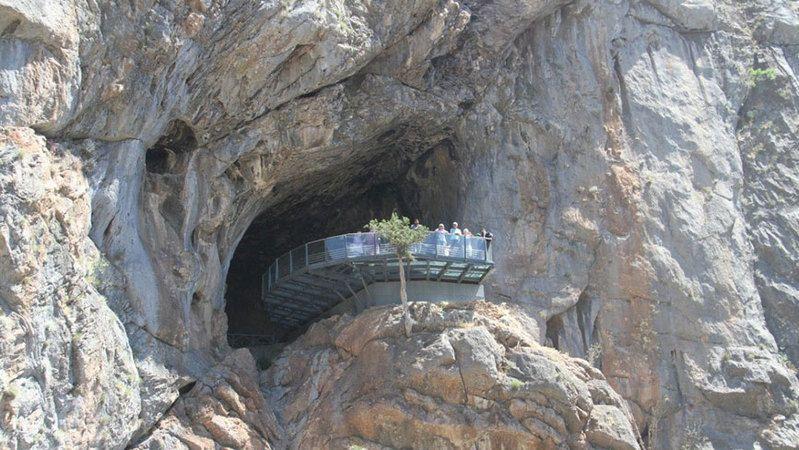 Çamlık Mağaraları turistlerin yeni gözdesi oldu