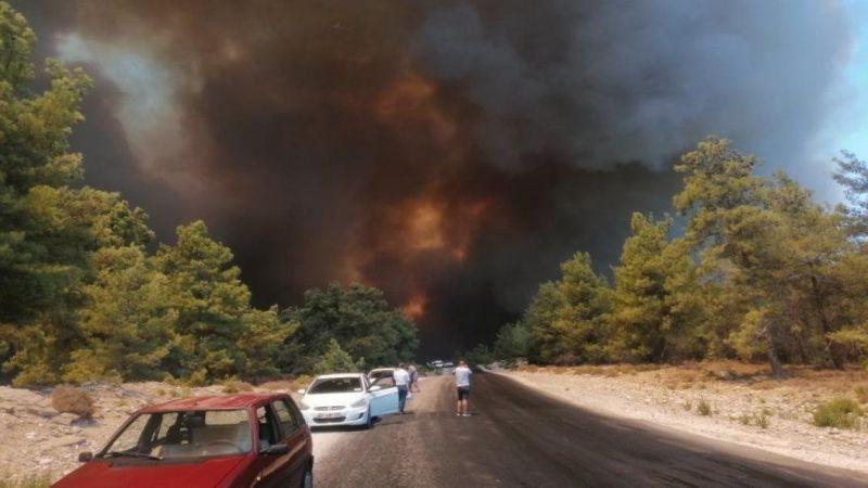Manavgat yangını nedeniyle Konya-Antalya kara yolunda ulaşım aksıyor