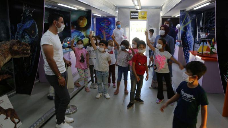 Konya Büyükşehir Belediyesinin Bilim Tırı Halkapınar'a geldi