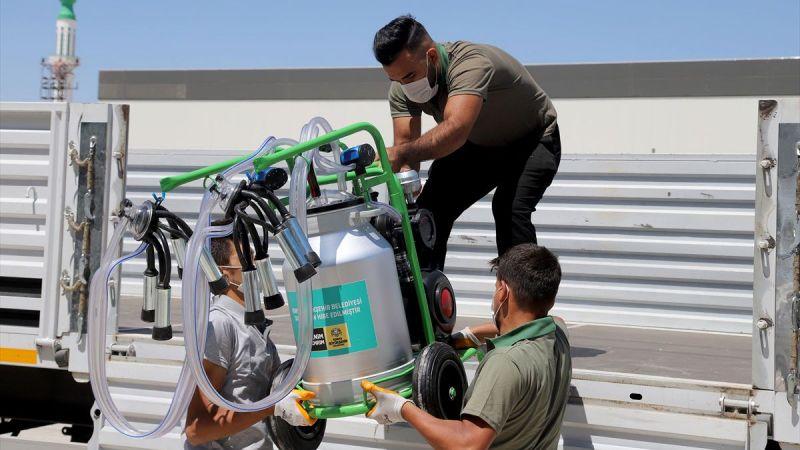 Konya Büyükşehir Belediyesi yangından etkilenen çiftçilere süt sağma makinesi gönderdi