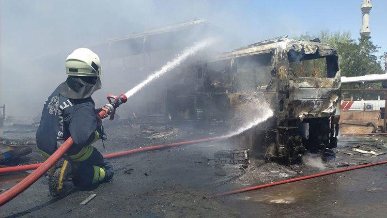 Konya'da sanayi bölgesinde korkutan yangın!