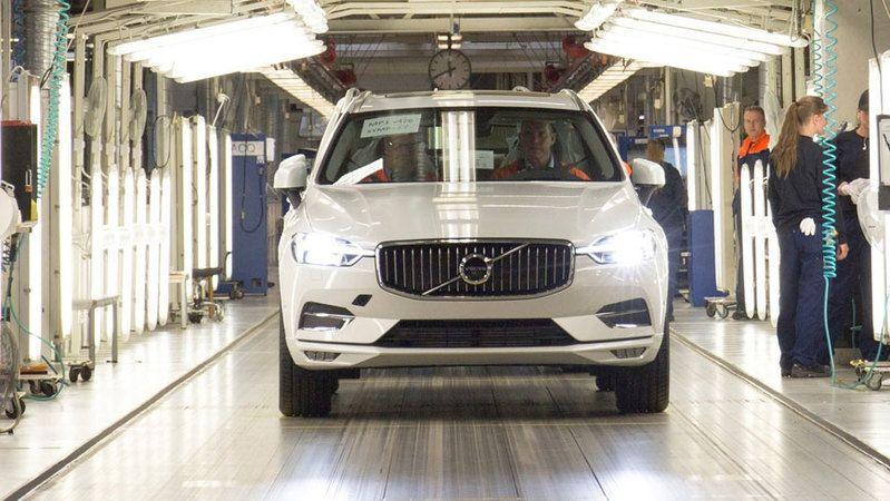 Dünya devi Volvo üretimi durdurdu