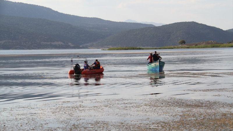 Gölde kaybolan balıkçı, 22 saatlik mücadelede hayatını kurtaran şeyi açıkladı