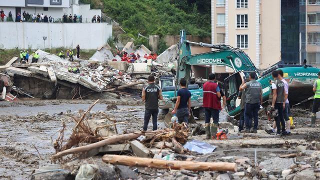 Sel felaketinde can kaybı 44'e yükseldi