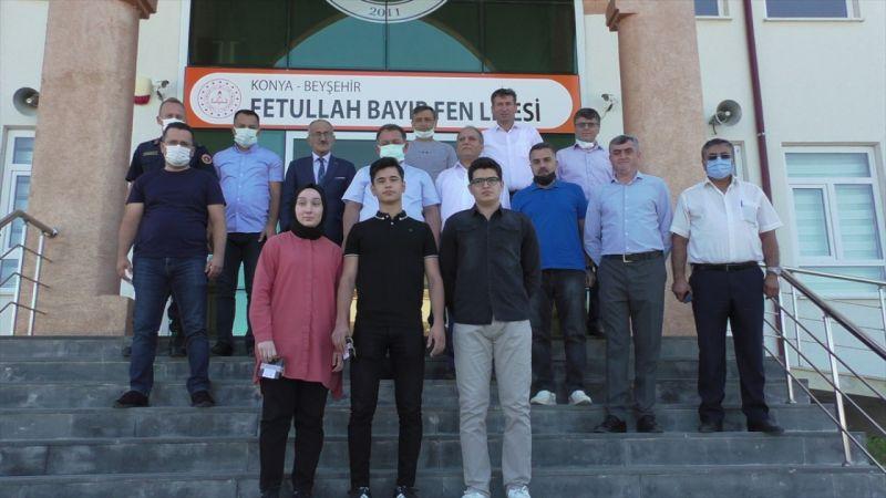 Beyşehir'de YKS'de dereceye giren öğrenciler ödüllendirildi