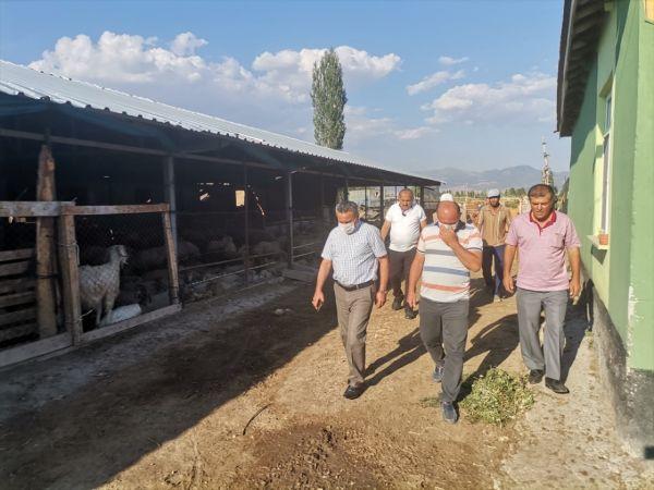 Seydişehir'de ahırı yanan vatandaşa Başkan Tutal'dan destek