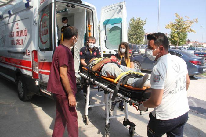 Beyşehir'de boya yaparken pencereden düşen kişi yaralandı