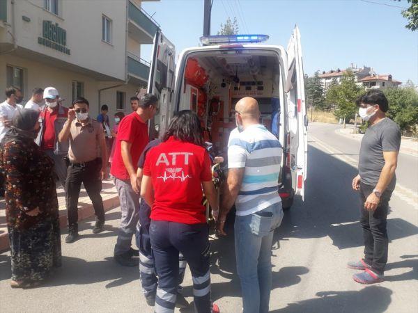 Konya'da otomobil yayalara çarptı: 4 yaralı