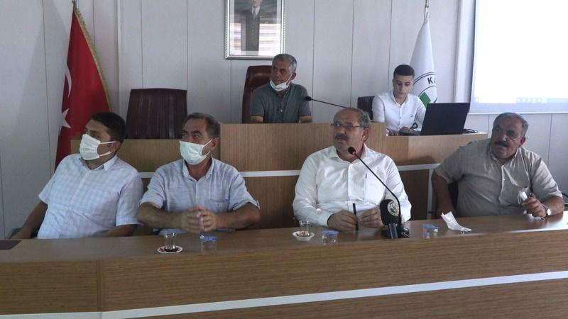 Karapınar Belediye Başkanı Mehmet Yaka muhtarlarla bir araya geldi
