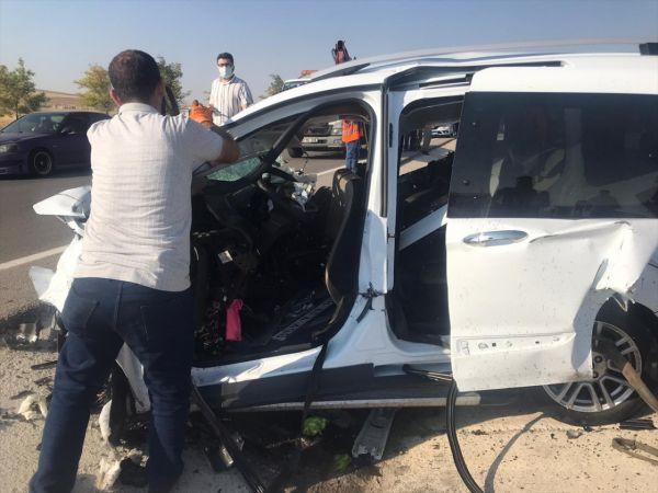 Konya'da tır ile kamyonetin çarpışması sonucu 6 kişi öldü, 2 kişi yaralandı