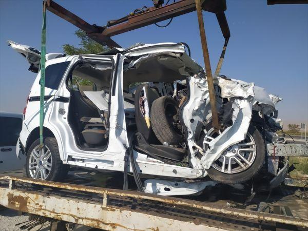GÜNCELLEME - Konya'da tır ile kamyonetin çarpışması sonucu 6 kişi öldü, 2 kişi yaralandı