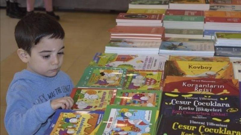 """Bakanlık'tan çocuklar için """"güvenli kitap"""" listesi"""