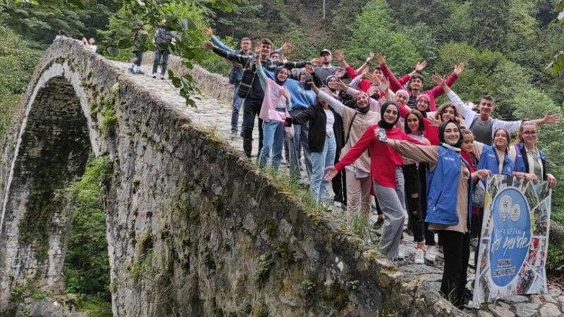 Karapınarlı öğrenciler Rize'yi gezdi