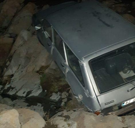 Kulu'da park halindeki otomobil uçuruma yuvarlandı