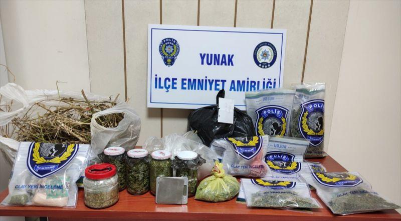 Konya'da uyuşturucu operasyonunda yakalanan 2 kişiden biri tutuklandı