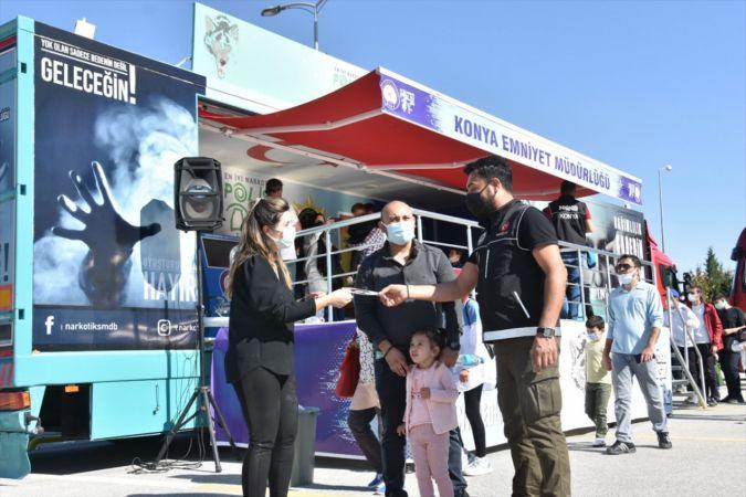 Konya Bilim Festivali'nde Narkotır ve Emniyet Kemeri Simülasyon Aracı ilgi gördü