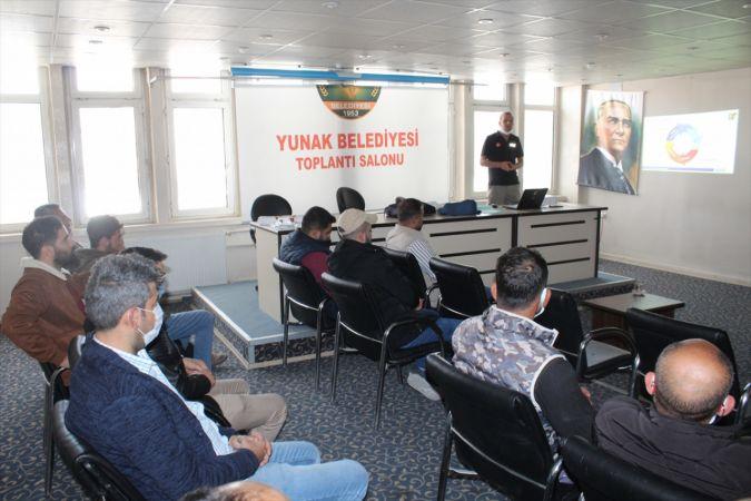 Yunak'ta kamu çalışanlarına afet farkındalık eğitimi verildi