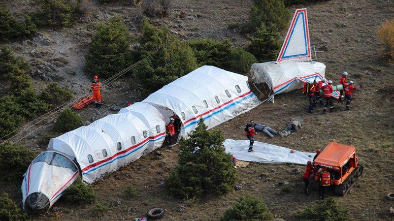 Uçak kazası tatbikatı gerçeğini aratmadı
