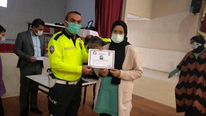 Okullarda trafik güvenliği eğitimleri devam ediyor
