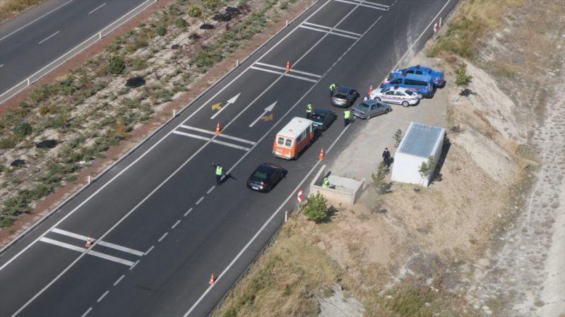 Konya'da jandarma ekipleri helikopter destekli trafik denetimi yaptı