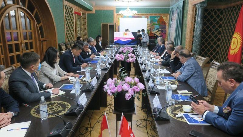 TOBB Başkanı Hisarcıklıoğlu, Kırgız Bakan Şıkmamatov ile görüştü