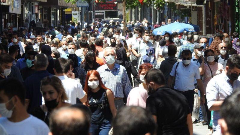 Tam kapanmanın ardından caddeler doldu taştı