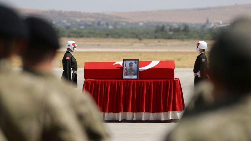 Fırat Kalkanı Harekatı bölgesinde şehit olan iki askerin cenazesi memleketlerine uğurlandı