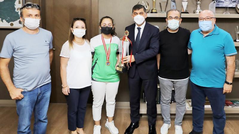 Başkan Fadıloğlu şampiyon Baloğlu'nu ağırladı
