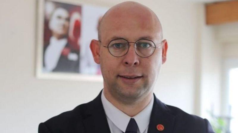 Başkan Mersin Başhekim Prof. Dr. Serkan Öncü'ye yüklendi