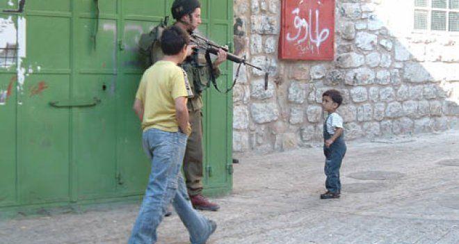 """""""İsrail'in Demokrasi Olma İddiası Hızla Çöküyor"""""""