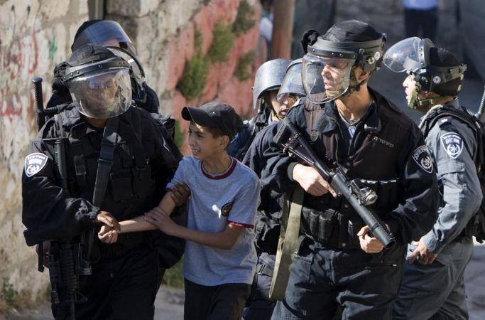 İsrail, esir aldığı Filistinli çocukları tecavüz ile tehdit ediyor!