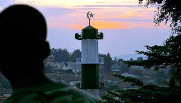 Ruanda 'gürültü kirliliği' diyerek hoparlörle ezan okunmasını yasakladı