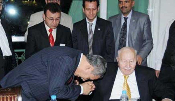 Bülent Arınç, Erbakan Hoca'ya 'Saadet Ak Parti'ye katılsın' teklifi götürmüş
