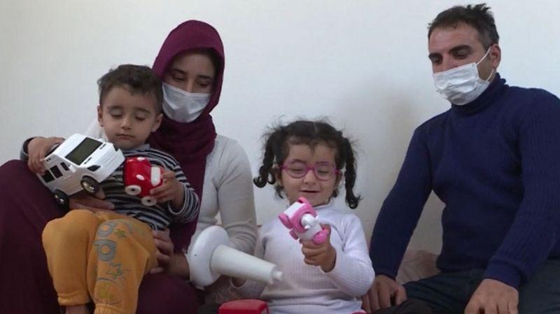 Görme engelli kızları için biriktiriyorlardı: Vicdansızlar, 45 bin liralık altını çaldılar